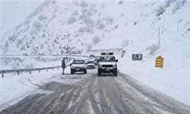 تداوم بارش برف در محورهای مواصلاتی آذربایجان شرقی