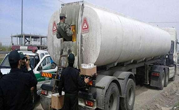 باشگاه خبرنگاران - ۱۰۰۰ لیتر سوخت قاچاق در مهاباد کشف شد