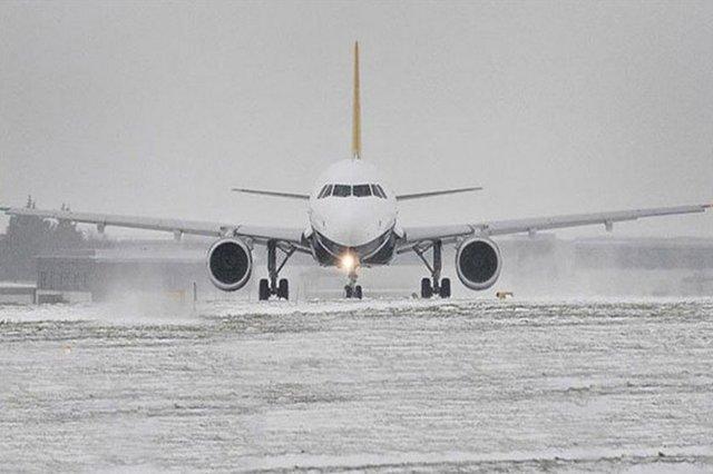 انجام پرواز فرودگاه تبریز علی رغم بارش سنگین برف و برودت هوای شدید