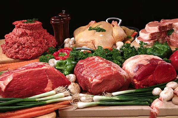 آیا حباب قیمت گوشت در شب عید ۹۸ میترکد؟ / واردات ۲۰۰ هزار راس دام زنده تا پایان سال