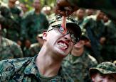 باشگاه خبرنگاران - شیوههای تهوعآور آموزش سربازان آمریکایی: از نوشیدن خون مار کبرا تا خوردن عقرب و کرم خاکی! + تصاویر و فیلم