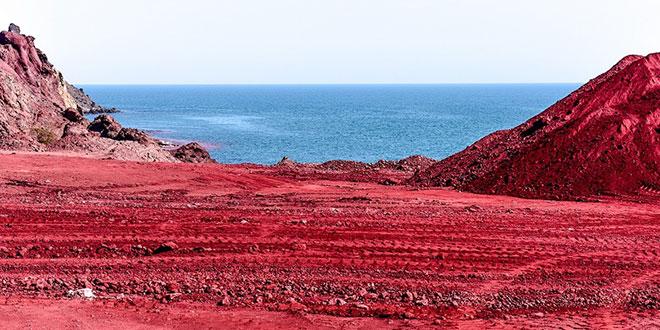 ساحل سرخ کجاست؟