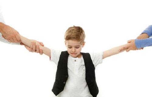 طلاق والدین؛ ترس از تنها ماندن و مشکلات رفتاری کودکان