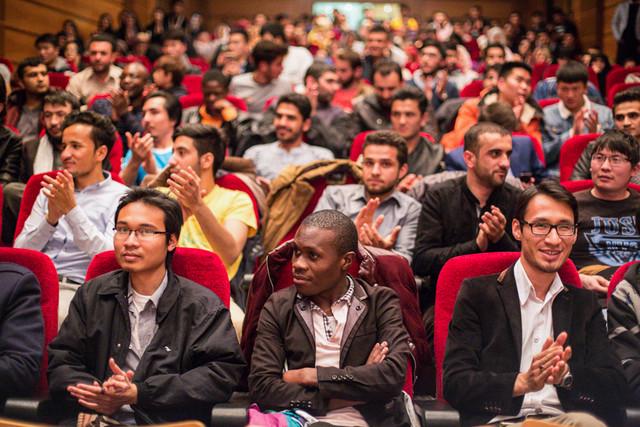 کاهش ۹۰ درصدی اعزام اساتید به خارج از کشور/ لزوم بهره برداری از حضور دانشجویان خارجی به نفع دانشگاه