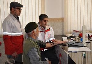 کاروان سلامت هلال احمر شهرستان یزد به روستای خویدک خدمات ارائه داد