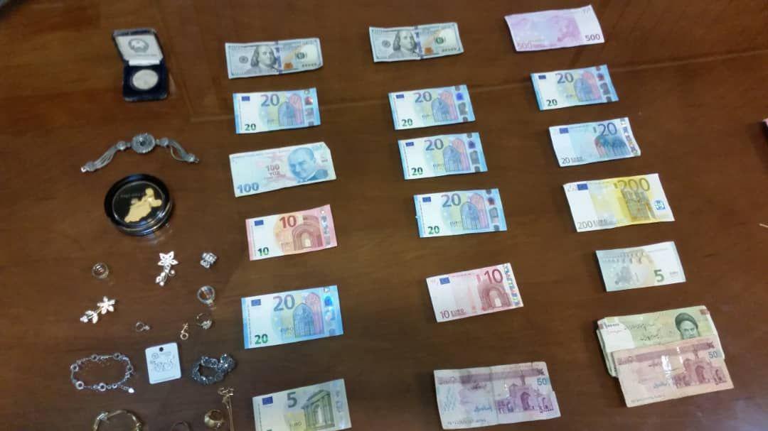 دستگیری سارقان جواهرات و ارز منازل قلهک + عکس