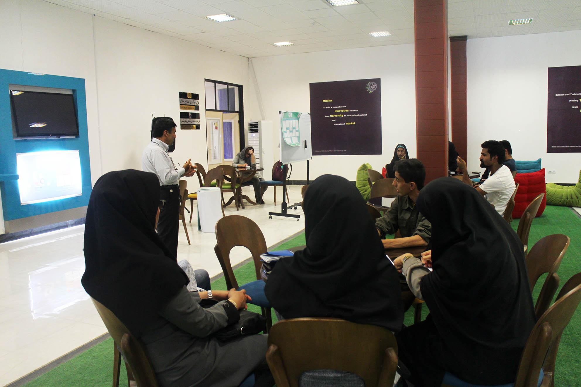 چالش های اساسی در همکاری با پژوهشگاه های خارج از کشور