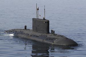 تا دقایقی دیگر الحاق زیردریایی فاتح به مجموعه ناوگان جنوب نیروی دریایی ارتش