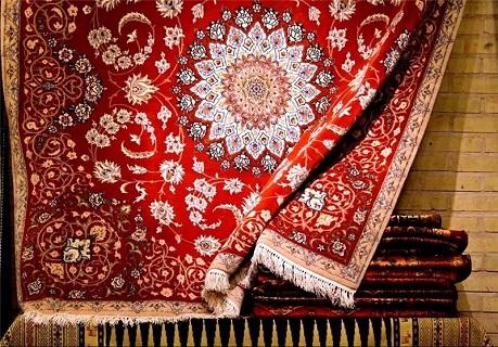 مار و پله فرش در پیچ و خم نوسان احیا و رکود  / فرش؛ هنر صنعتی که حال خوشی ندارد و این روزها