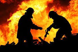 آتش سوزی در یک متجمع تجاری در اقدسیه