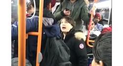 واکنش جالب زن جوان به چند مرد هوسباز در اتوبوس! +فیلم