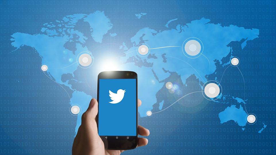 مسدودسازی اکانت های توییتری حامی دولت ونزوئلا برگ دیگری از آزادی بیان آمریکایی