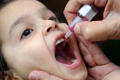 آغاز طرح واکسیناسیون خانه به خانه فلج اطفال در جنوب شرق کشور/۸۰۰ هزار کودک واکسینه میشوند