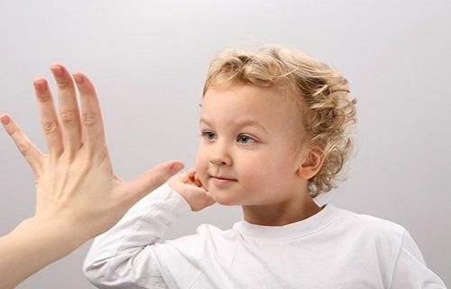 قوانین نه گفتن به کودکان/محدودیتهای کودک را اعلام نکنید