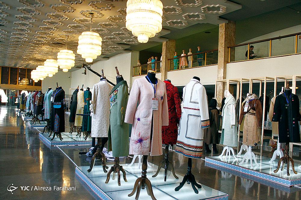 رسانه حلقهی مفقوده در ساماندهی تولید لباس ایرانی / وقتی با دستان خودمان گور تولید لباس ایرانی را میکنیم