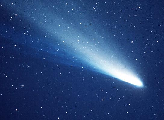 خودنمایی دنباله دارها در آسمان/ راز و رمزها از ستارهای که رصد آن دشوار است