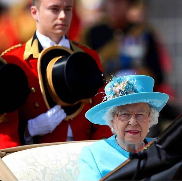تبعیض قوانین رانندگی برای خانواده سلطنتی انگلیس+تصویر