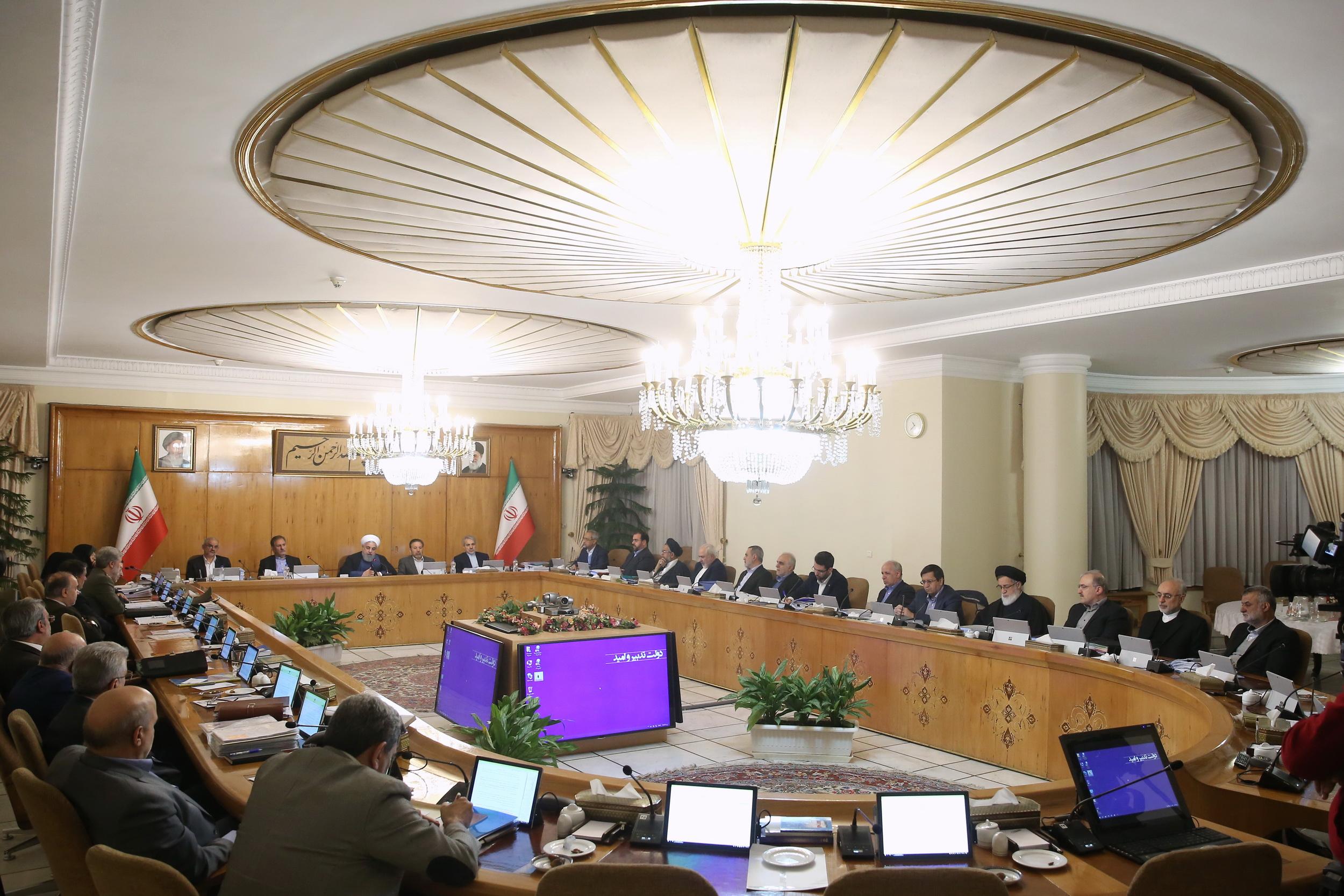 میزان پاداش پایان سال ۱۳۹۷ کارکنان دولت 10 میلیون ریال تعیین شد