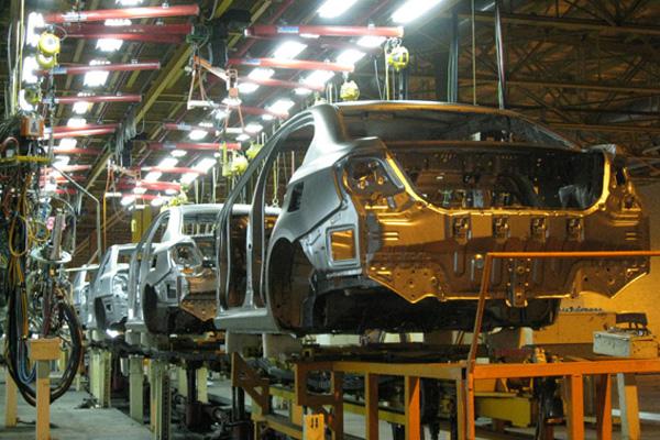 تعزیرات خودروساز بزرگ داخلی را نقره داغ کرد
