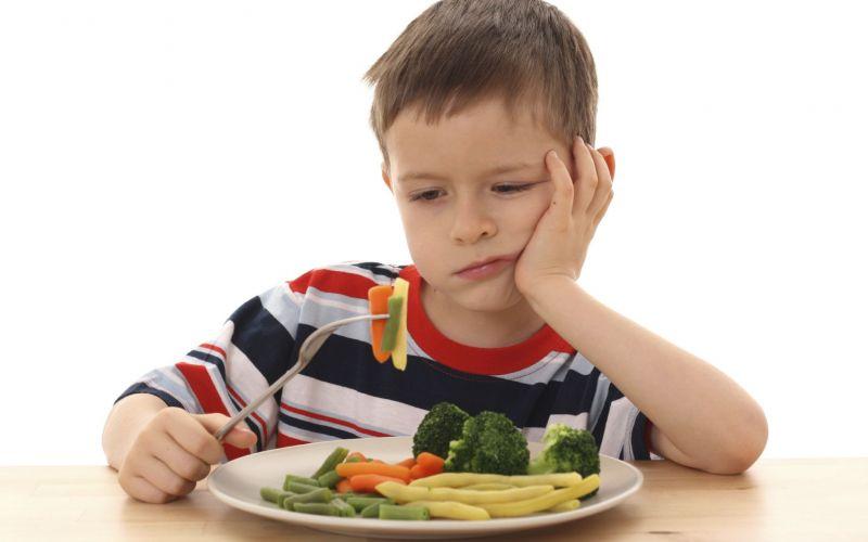 رفع بی اشتهایی کودکان با ((شربت بادام و عسل))/ از مصرف این اکسیر جوانی غافل نشوید