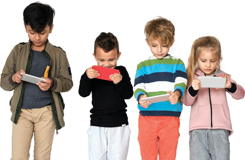 کودکان از چه سنی اجازه استفاده از گوشی را دارند؟