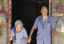 نقشه پیرمرد عاشقپیشه برای خوشحالی همسرش