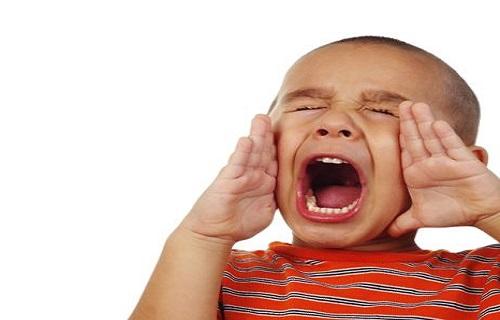 در مقابل داد زدن کودک باید چگونه برخورد کنیم؟/تکنیکی ساده که باعث آرام شدن کودک میشود