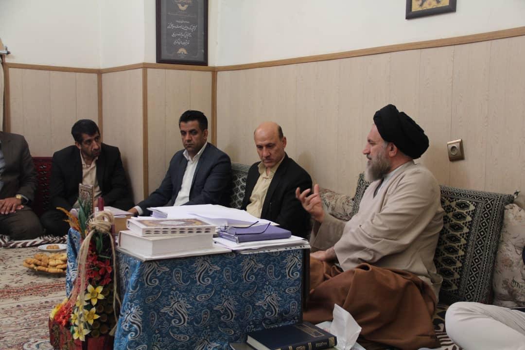 دیدار فرماندار شهرستان شیراز با آیتالله ملک حسینی