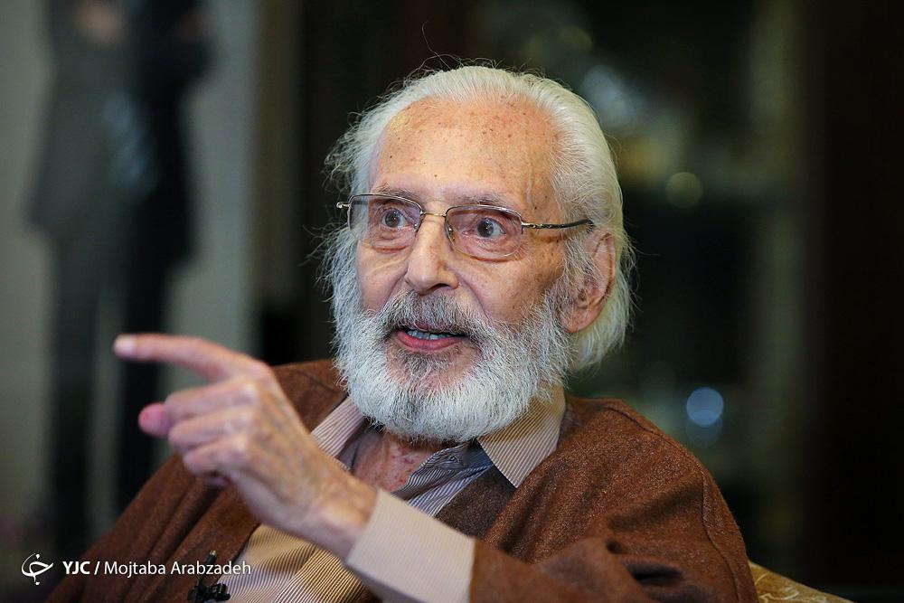 ماجرای عاشق شدن جمشید مشایخی در آنتن تلویزیون/ واکنش کمال الملک سینمای ایران به اظهارنظرش درباره روحانی+ فیلم
