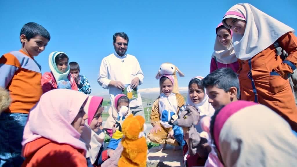 قصه روحانی معروف فضای مجازی از روستاهای دهدشت تا گاردین