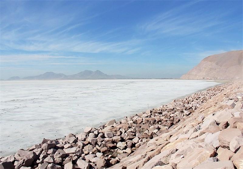 آغاز اجرای برنامه عمل برای احیای تالابها /دریاچه نمک در کانونهای فوق بحران گردو غبار قرار ندارد