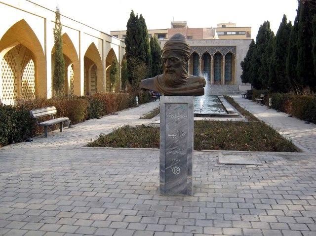 سیری در آرامگاه صائب تبریزی + تصاویر