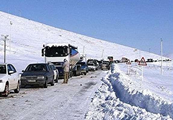 باشگاه خبرنگاران - راه ارتباطی ۲۵۰ روستا با الیگودرز قطع شد