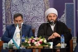 شاعران تاثیر ژرفی در سرنوشت یک جامعه دارند/ شاعران، مبلغان مکتب و معارف انقلاب اسلامی