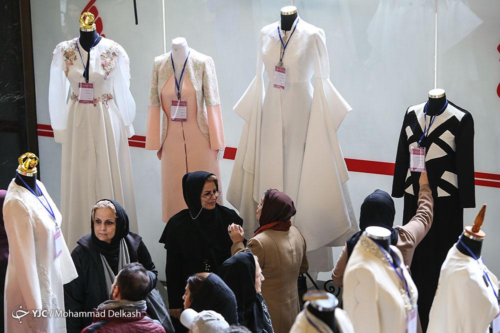 مانتوهای توری از بازار جمعآوری میشود/ در حوزه عفاف و حجاب در مضیقه هستیم