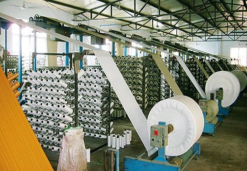 سهم ۲۰ درصدی اولین محصول صادراتی استان از سبد صادرات/ صنعت پلاستیک استان نیازمند حمایت مسئولان است