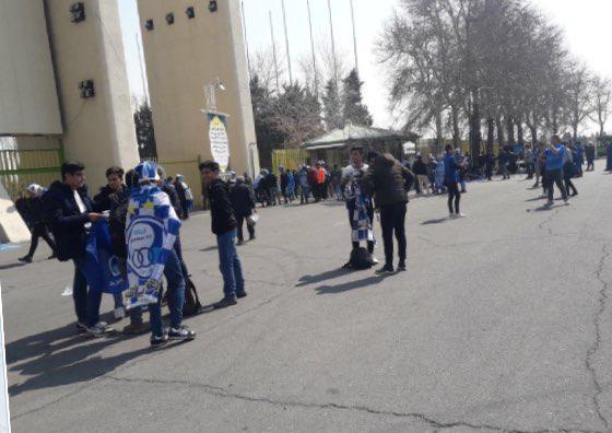 درب های ورزشگاه آزادی به روی هواداران باز شد