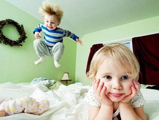 چرا کودکان در مهمانیها غیر قابل کنترل میشود؟/دوست کودکتان باشید