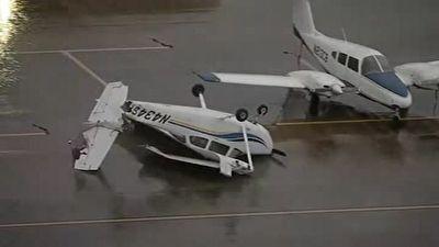 واژگونی هواپیما پس از طوفان در تگزاس + فیلم
