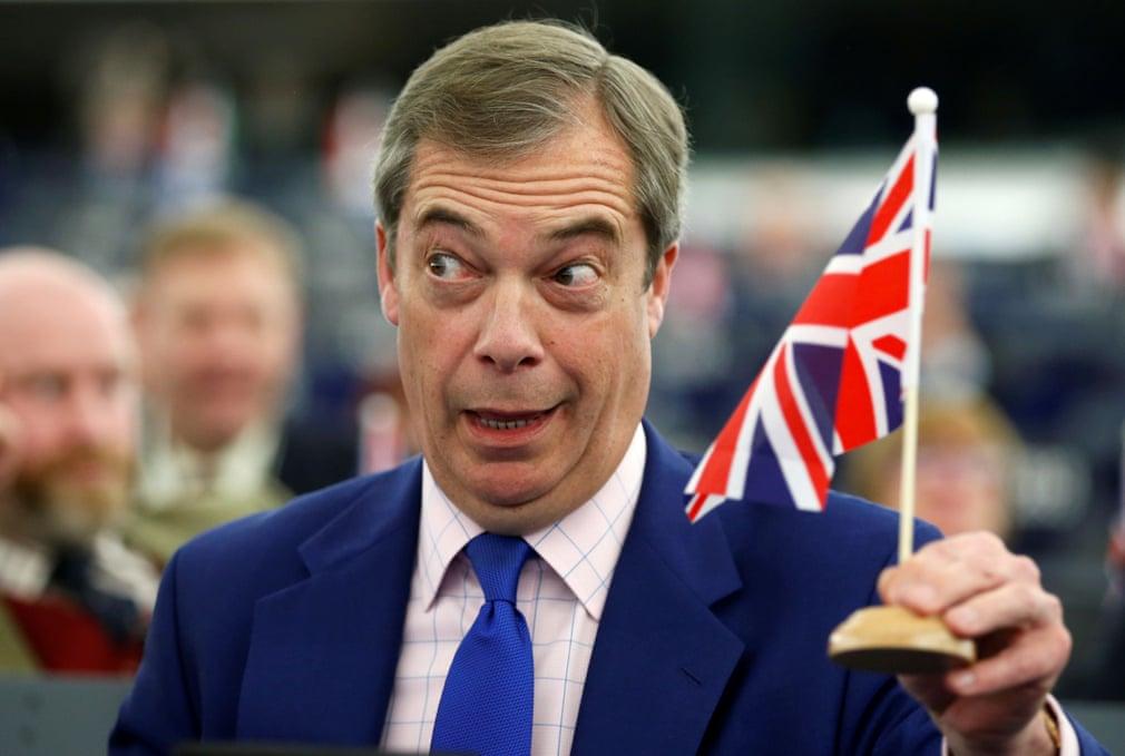 از سیاستمدار انگلیسی در پارلمان اتحادیه اروپا تا خشکشویی در فضای باز در هند