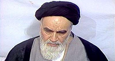 توصیف زیبای امام خمینی(ره) از آخرین نمازجمعه سال ۱۳۶۳ + فیلم