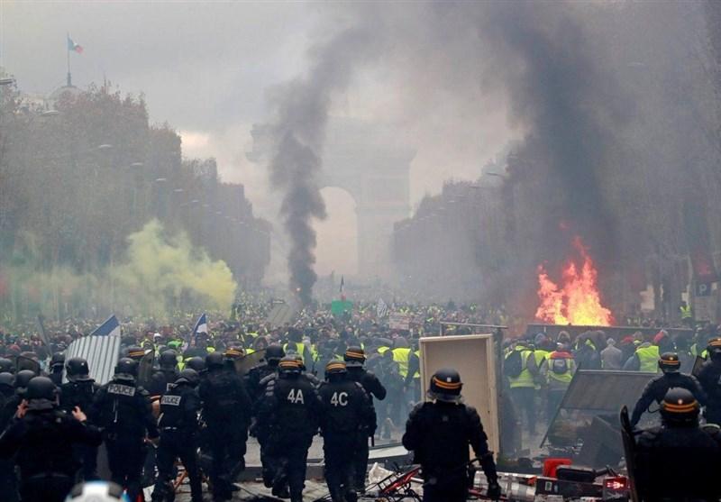 دولت دیکتاتور فرانسه دست از اقدامات ضد مردمی خود بردارد