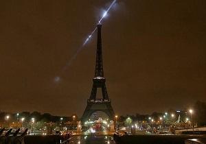 برج ایفل به یاد قربانیان حادثه تروریستی نیوزیلند در خاموشی فرو رفت