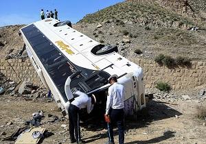 برخورد اتوبوس با دیواره تونل کندوان ۱۸ مصدوم برجای گذاشت