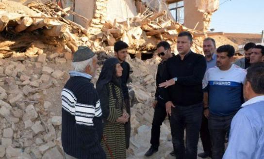 علی دایی خانه سازی در روستای تپانی سرپل ذهاب را آغاز کرد