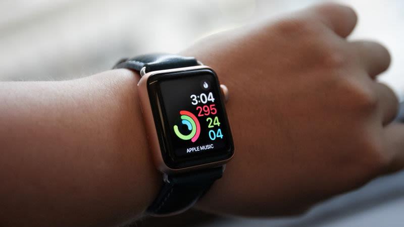 ساعت هوشمند اپل جان بسیاری را نجات میدهد +جزئیات