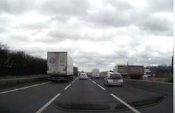 تغییر مسیر ناگهانی در بزرگراه حادثهای خطرناک را رقم زد +فیلم