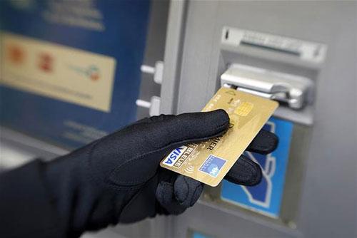 توصیههای پلیس فتا به شهروندان در خصوص جلوگیری از کلاهبرداریهای بانکی