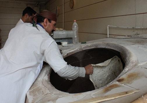 رضایت و کیفیت بالا تفاوت اصلی مجتمعهای صنعتی با نانواییهای محلی/ لزوم آموزش اصولی برای بالا بردن بهره وری
