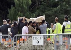 خاکسپاری اولین گروه از قربانیان حمله تروریستی به مسلمانان در نیوزیلند + تصاویر